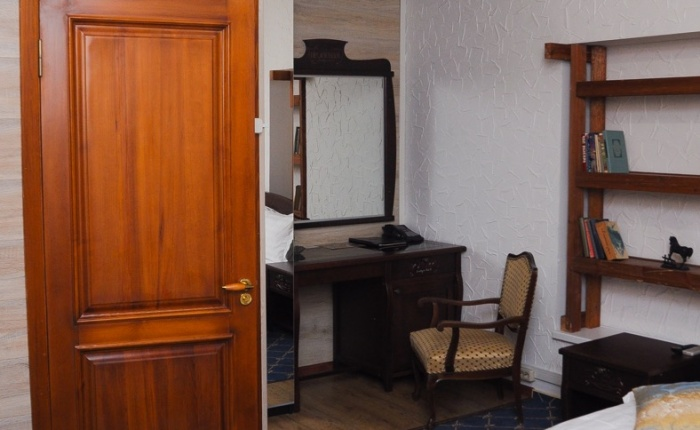 Гостиница отель в Ростове-на-Дону Променадъ номер полу люкс переулок Газетный 27 Тел: +7 (863) 279-77-44
